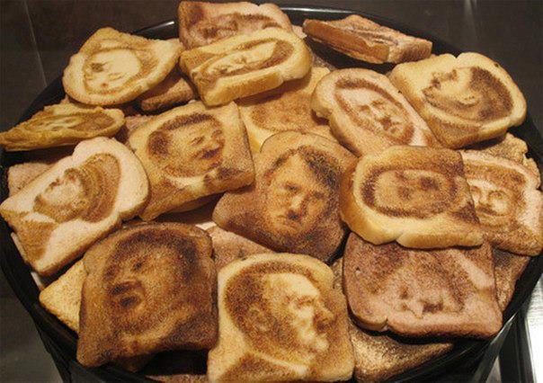Hitler toasts