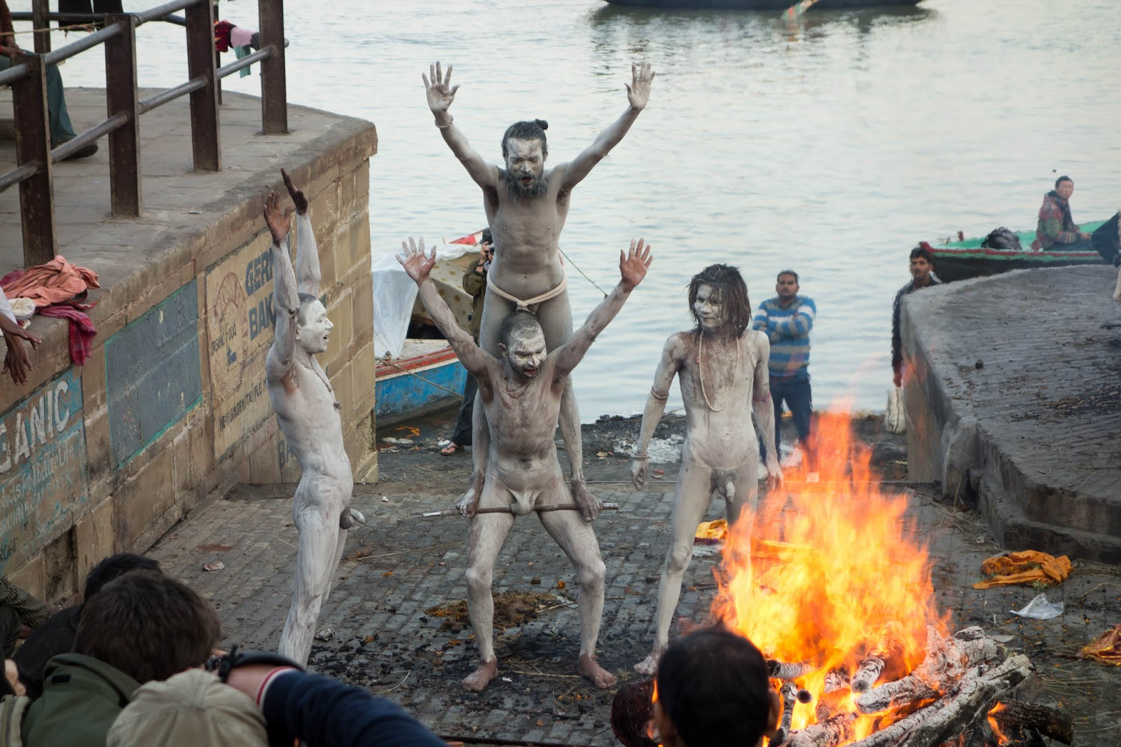 Hindu ascetics know how to liven up a funeral
