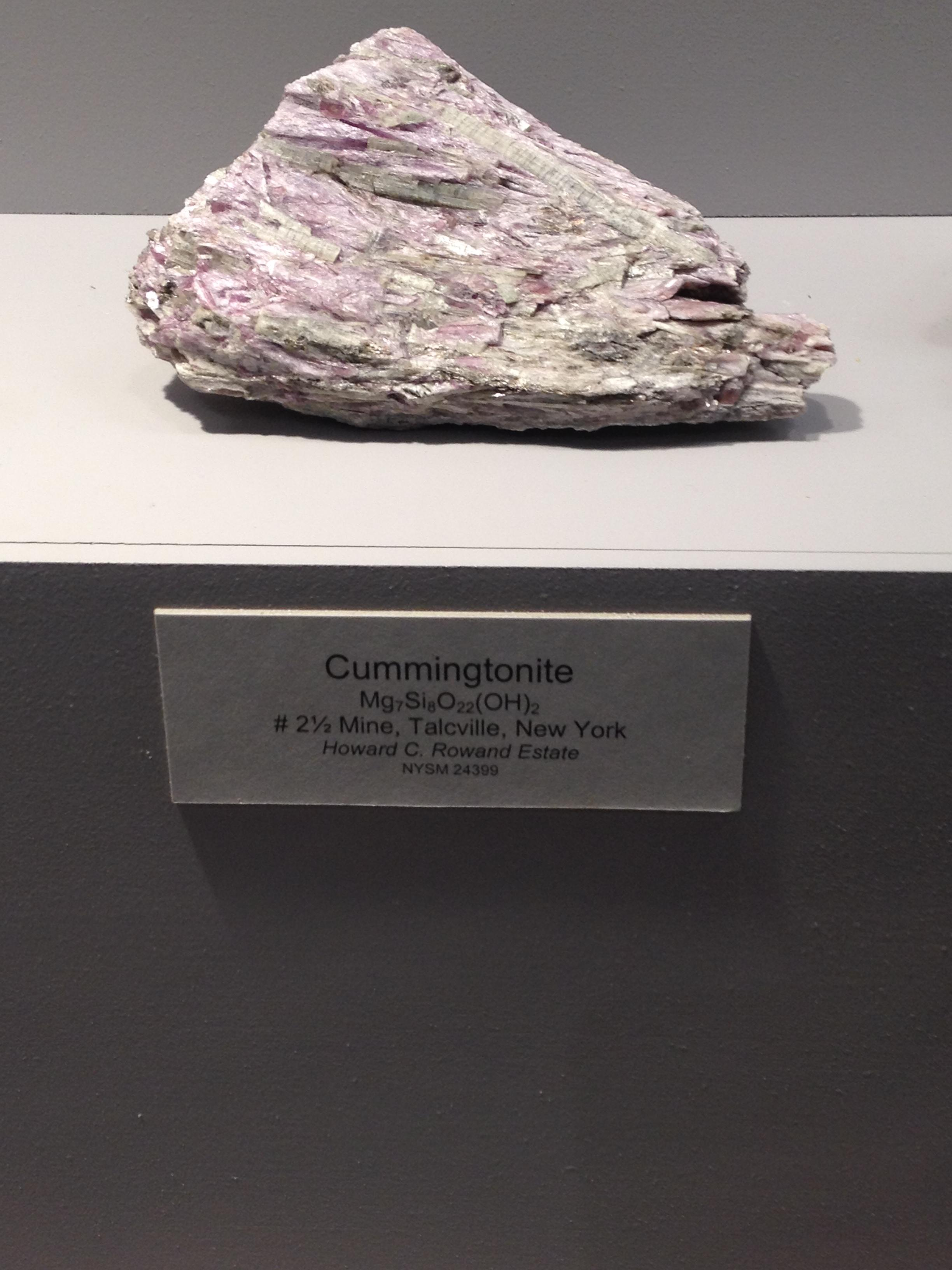 Cummingtonite