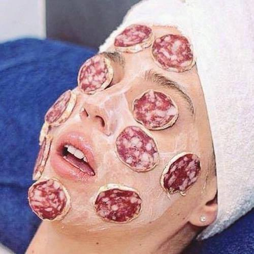Catalan beauty fuet face mask